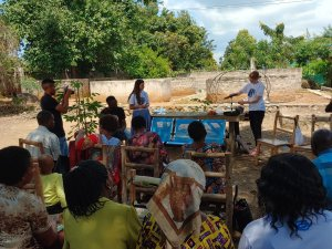 KinoSol training with local community members 2019 to achieve sustainability